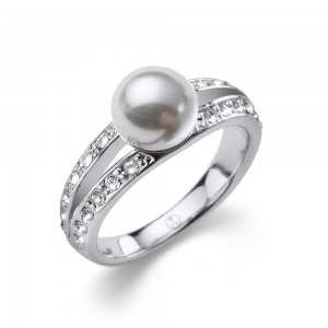 Ring Pearl Play